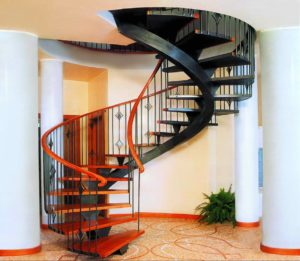 Как выбрать лестницу для дома