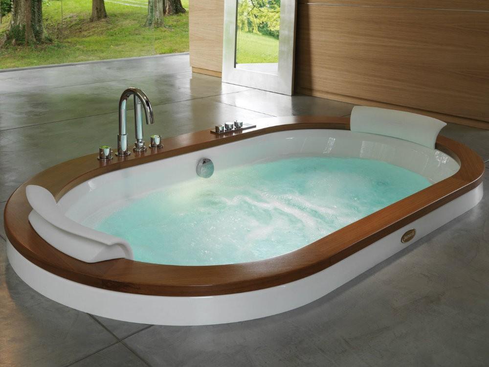 Овальные гидромассажные ванные