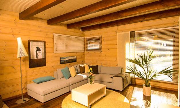 Внутренняя отделка деревянного дома из бруса