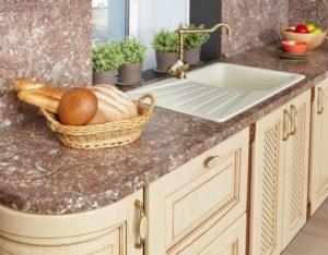 Столешница на кухню с пластиковым покрытием
