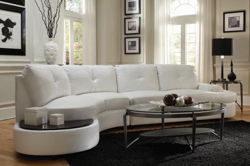 изогнутые формы секционного дивана или (полужирный) циркуляр