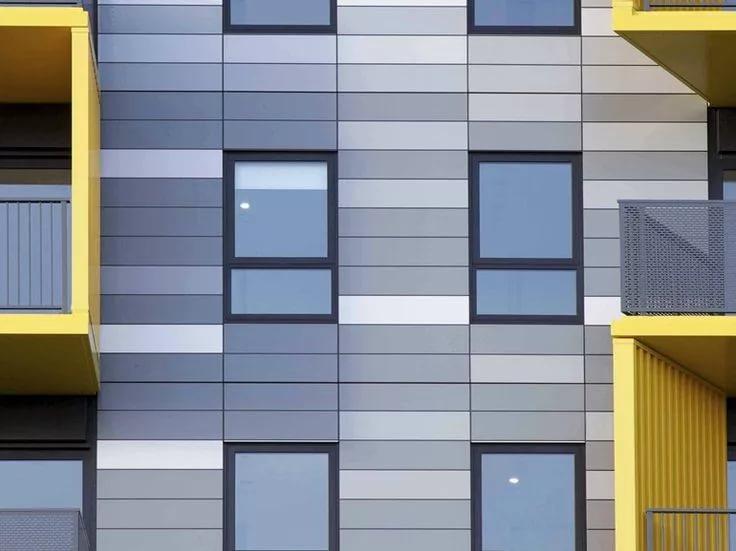 Какой фасад выбрать - деревянный или композитный