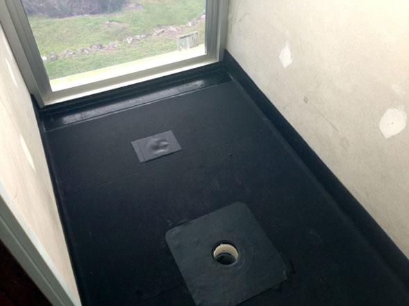 гидроизоляция ванной комнаты под плитку - рулонная гидроизоляция