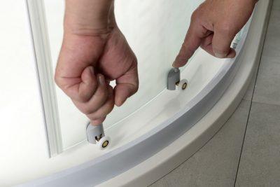 замена роликов на дверцах душевой кабины своими руками