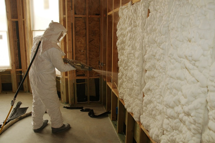 напыление для теплоизоляции пенополиуретаном в строительстве