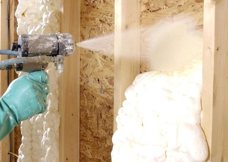 напыляемый пенополиуретан - утепление стен домов и квартир
