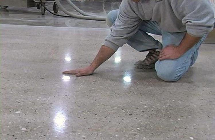 затирка бетонного пола до зеркальной гладкости