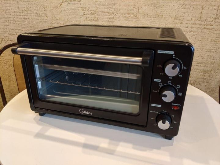 Лучшие мини-печи - Midea MO-2501