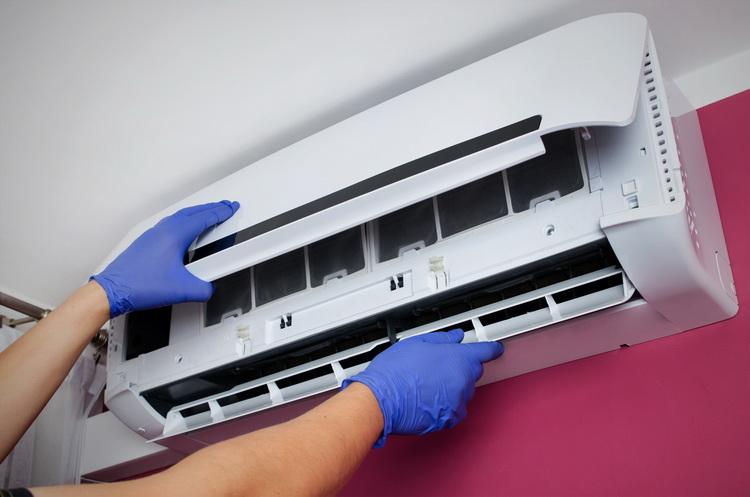 Как самостоятельно почистить кондиционер дома и подготовить климатическую технику к летнему сезону