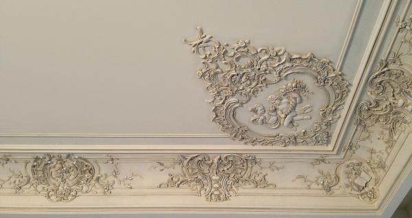 карнизы для потолка